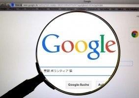 ネット検索の写真